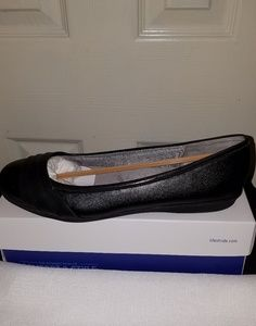 Life Stride Shoes - Life Stride velocity flat shoes NWOT